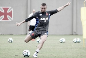 Volante Marcelo Mattos anuncia nova cirurgia e desabafa em rede social