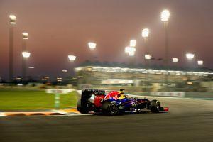 Sempre Vettel, poi lotta tra Webber e Hamilton