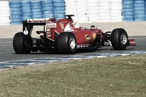 Estreno dulce de Sebastian Vettel con el Ferrari