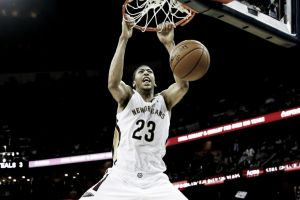 Kevin Love y Anthony Davis brillan en la noche NBA