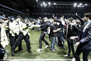 La FA busca responsables por los alborotos en Villa Park