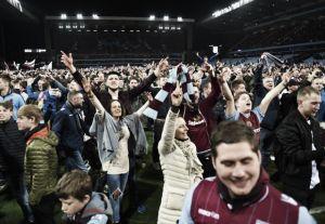 Aston Villa y Reading, sancionados por la FA por invasiones de campo
