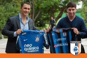 Corinthians visitó a Gallos Blancos