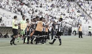Ceará vence Tupi em casa e mantém esperança de acesso à primeira divisão