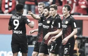 Com hat-trick de Volland, Leverkusen goleia Frankfurt e se consolida no G-4 da Bundesliga