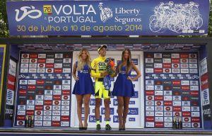 La Vuelta a Portugal da comienzo con Víctor de la Parte como primer líder