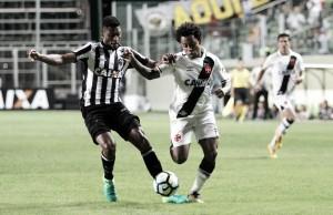 No duelo preto e branco, Vasco recebe Atlético-MG em São Januário