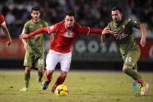 Real Murcia y Sporting comparten puntos y dejan la tabla sin cambios