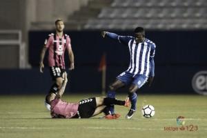 El Lorca deja escapar dos puntos ante el Tenerife