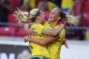 Fridolina Rolfö eyes Champions League progression