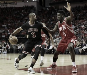 Dwyane Wade, Chicago Bulls reach buyout agreement