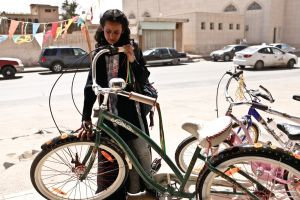 'La bicicleta verde': Arabia Saudí descrita por la niña Wadjda