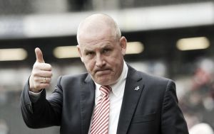 "Warburton backs ""fearless"" Brentford"