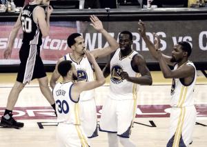 NBA Playoffs, i Golden State Warriors in estasi per una rimonta da sogno