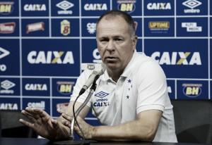 Mano Menezes obtém efeito suspensivo no STJD e irá comandar o Cruzeiro diante do Grêmio