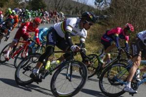 Tirreno - Adriatico, 6° tappa: circuito finale in leggera salita, chi ha il giusto colpo di pedale?