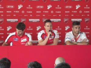MotoGP, Ducati conferma anche Crutchlow e Iannone per il 2015