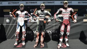 Tom Sykes consigue su tercera pole en Portimao