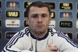 """Serhiy Rebrov: """"No estoy de acuerdo en que la Fiore sea un equipo modelo italiano"""""""