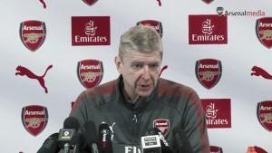 """Wenger: """"En el terreno de juego tienes que estar tranquilo, centrado y tomar buenas decisiones"""""""
