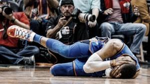 Cousins fue expulsado por un polémico codazo a Westbrook