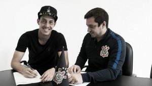 Corinthians oficializa renovação de Rodriguinho por mais duas temporadas