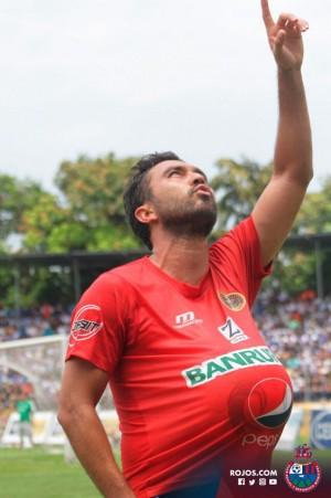 Actividad de mexicanos en latinoamérica: Kamiani busca su primer título en Guatemala.