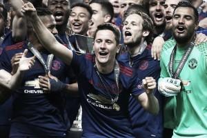 Melhor em campo, Ander Herrera dedica conquista da Europa League às vítimas de atentado