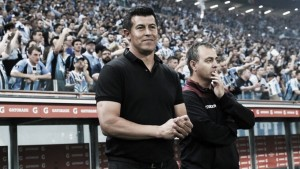 "Esperançoso, Almirón vê jogo aberto na volta: ""Em casa será diferente"""