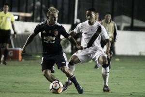 Vasco é surpreendido em casa e perde para Universidad de Chile na Libertadores