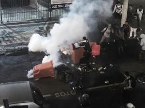 Acompanhe: Torcedores tentam invadir sede do Fluminense