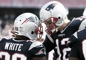 Brady arrasa en su regreso a Foxboro