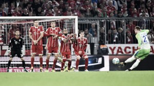 Ulreich falha, Wolfsburg reage e busca empate contra Bayern na Allianz Arena
