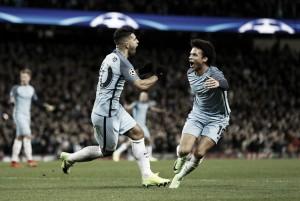 Em jogo de duas viradas, Agüero marca dois, ofusca golaço de Falcao e City bate Monaco