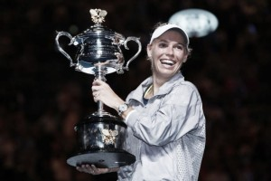 Australian Open: Caroline Wozniacki stuns Simona Halep for maiden Grand Slam trophy, returns to number one
