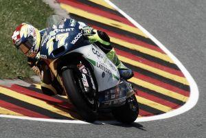 Dominique Aegerter consigue la primera victoria de su vida 128 carreras después