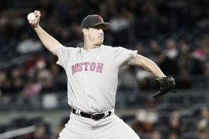 Steven Wright, David Ortiz lift Boston Red Sox to avoid sweep against New York Yankees