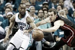 Los Hornets empatan la serie con un Kemba Walker soberbio
