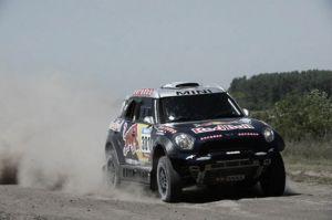 Nasser Al-Attiyah domina la primera etapa