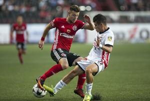 Empate de Copa en Tijuana mantiene a Lobos en la cima de grupo