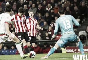 Dos goles de El Arabi mortificaron a un desdibujado Athletic
