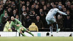 El Manchester City se impone ante la ausencia de fútbol