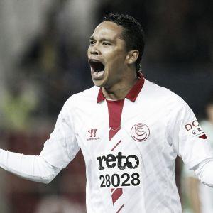 Carlos Bacca marcó doblete para el triunfo del Sevilla