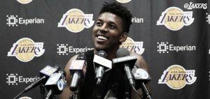 Los jugadores lesionados de los Lakers comenzaron las entrevistas de salida