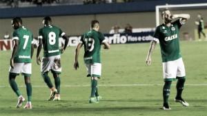 Goiás goleia Boa Esporte e se aproxima do G-4 da Série B