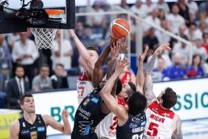Legabasket Serie A - Trento c'è: la Dolomiti batte Milano e riapre la serie (72-65)