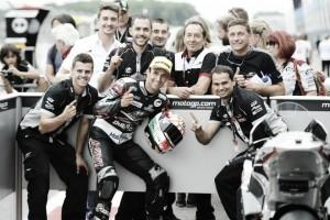 Vuelta al 2015. GP Holanda: victoria de Johann Zarco en el duelo con Tito Rabat
