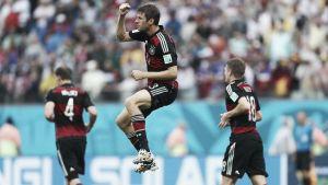 L'Allemagne l'emporte sur les USA, aussi qualifiés