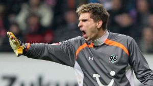 Ron-Robert Zieler renueva hasta 2017 con el Hannover 96