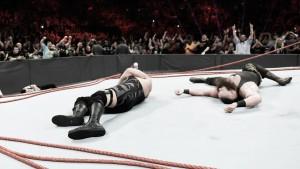Strowman y Show protagonizan el main event más grande